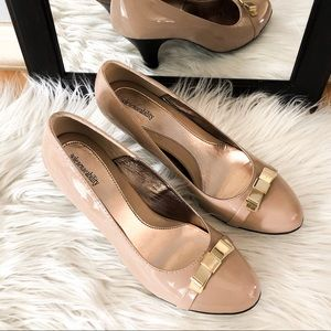 Solesenseability nude patent leather heels,Size 11